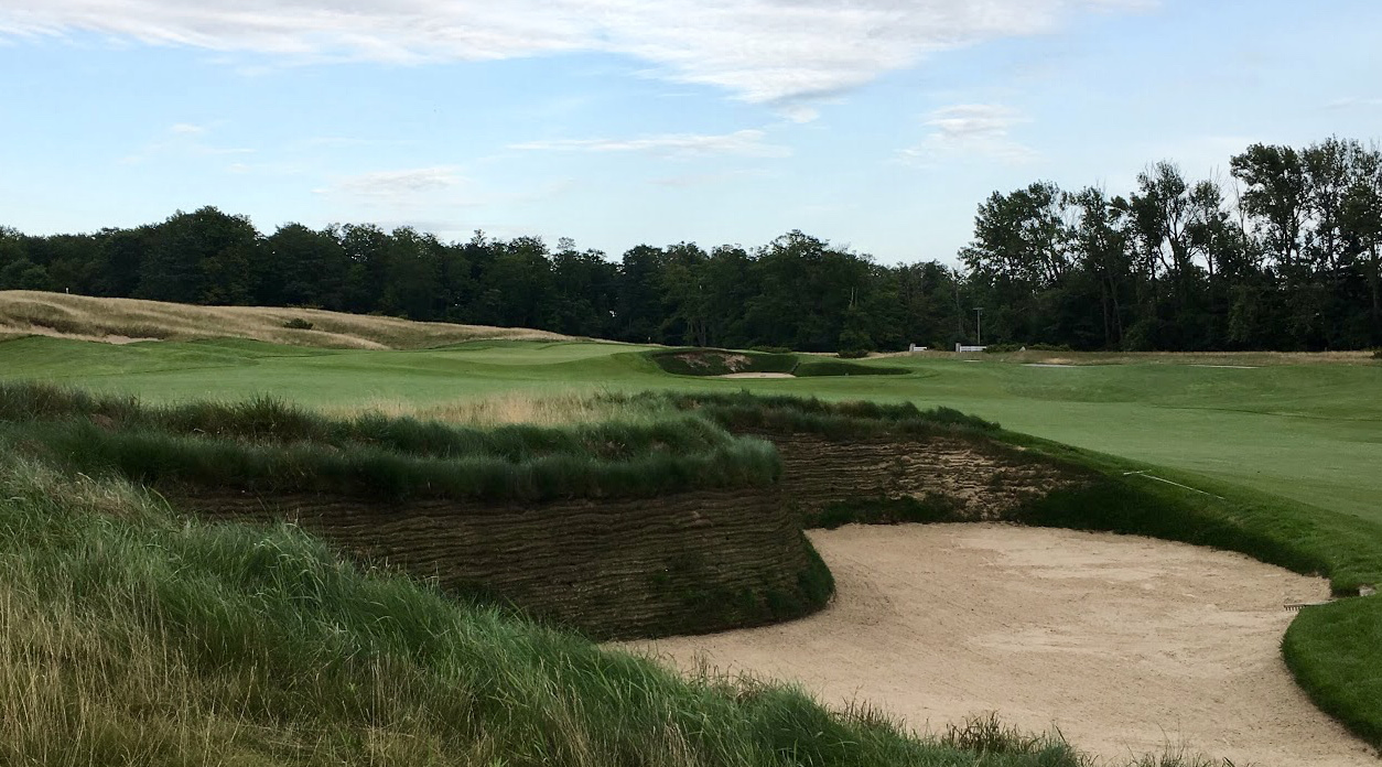 The players' first look at Arcadia's bold bunkering