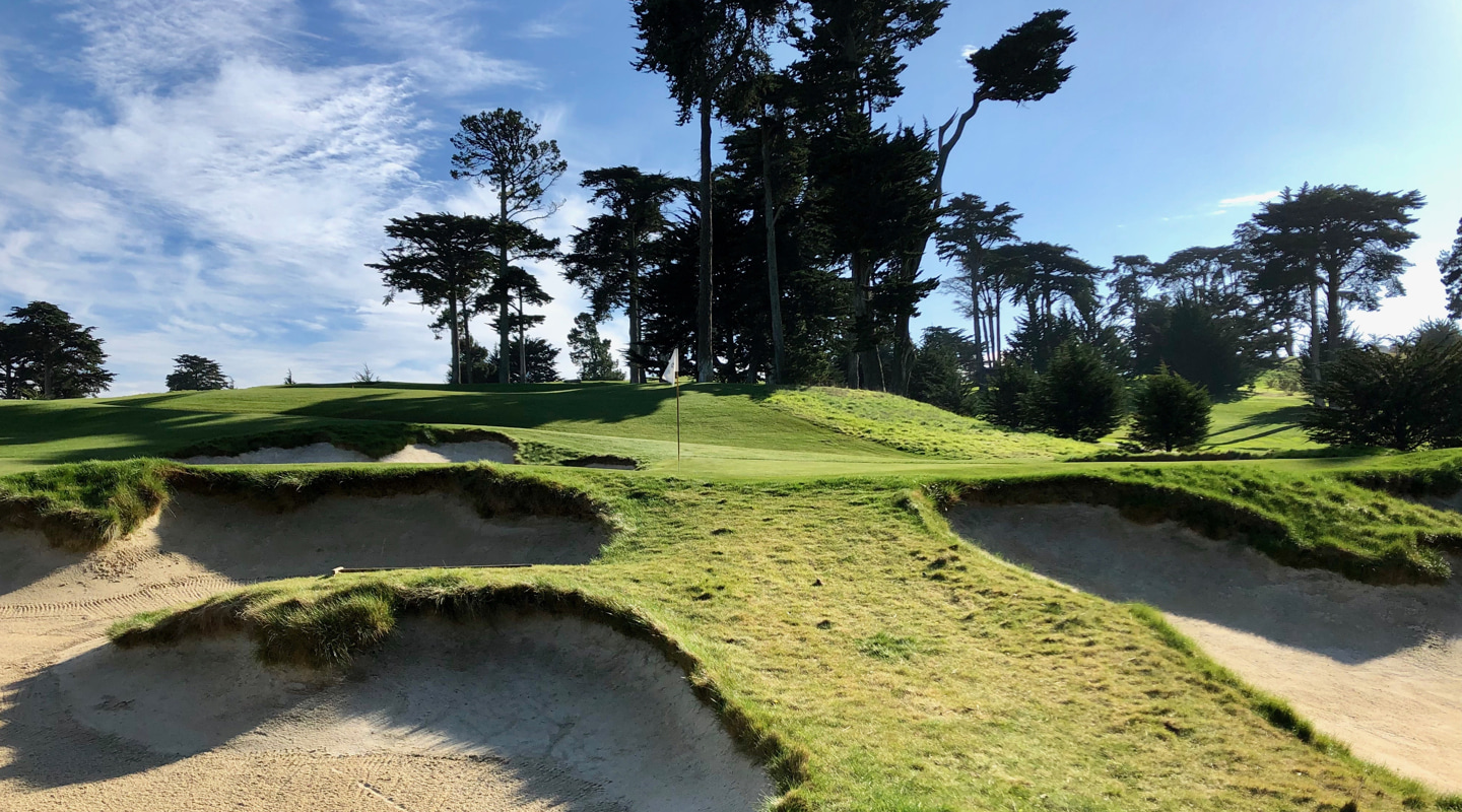 Deep bunkers wait to grab flared shots right