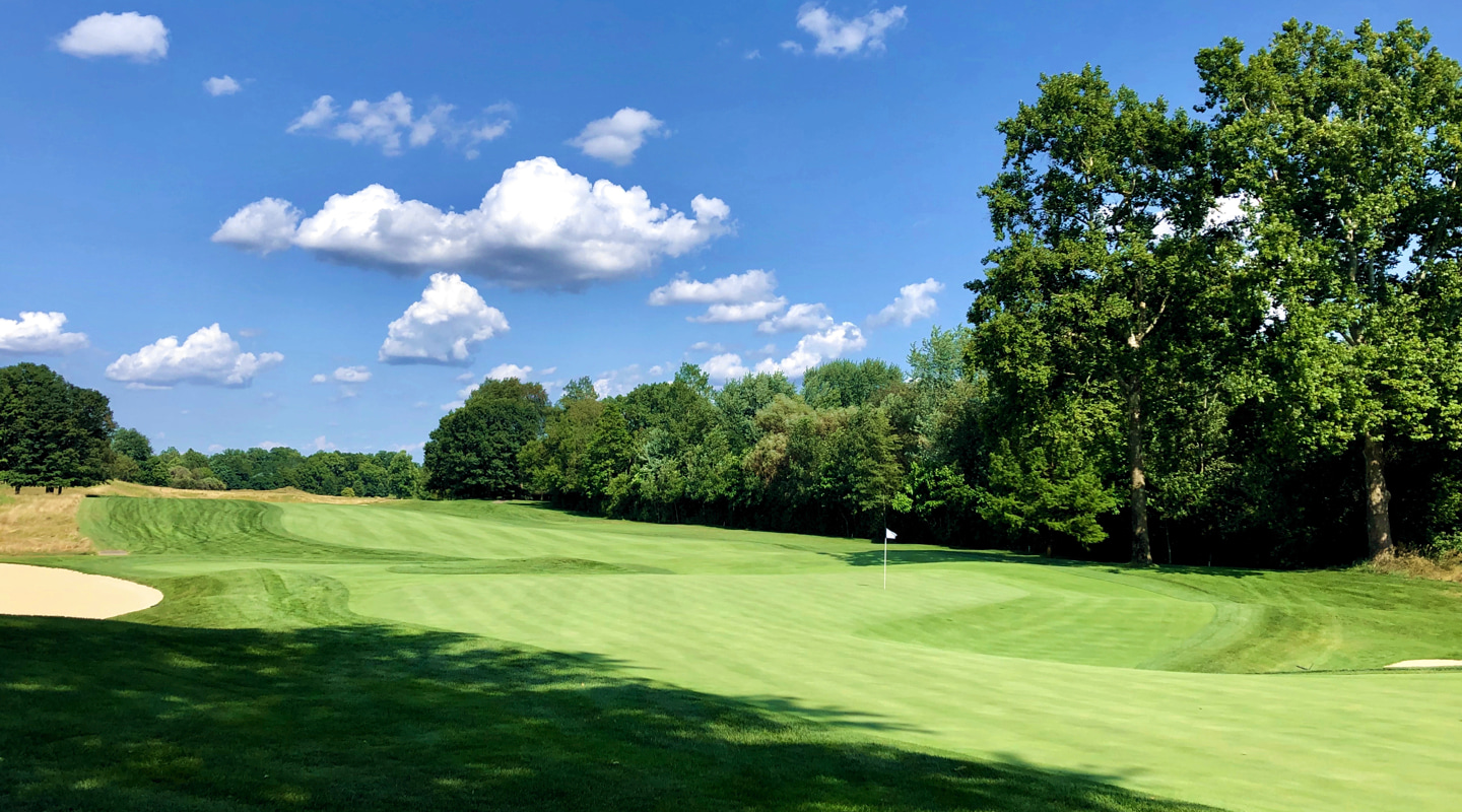 The 15th green is a MacKenzie-inspired boomerang of ample proportions