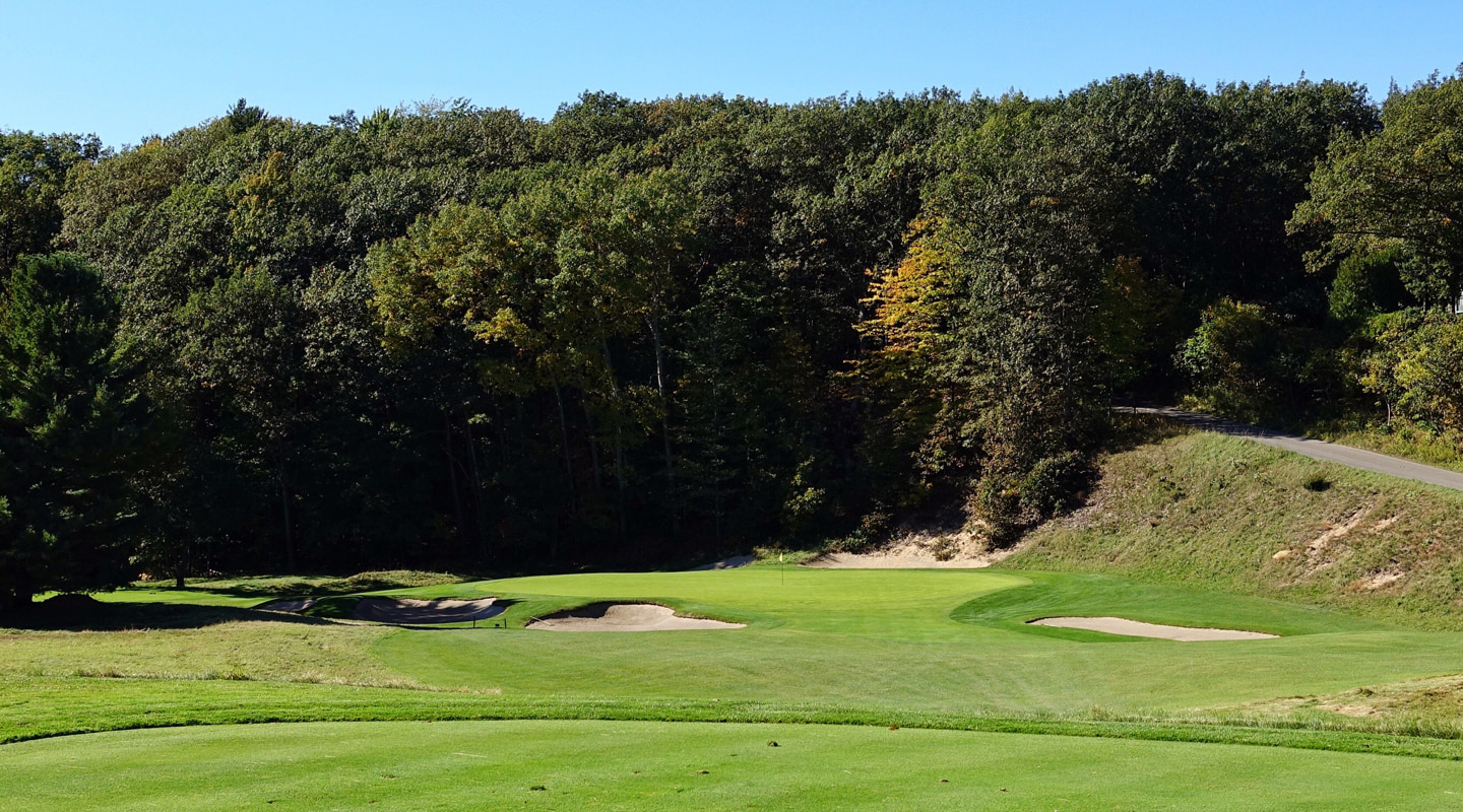 The tee shot on the par-3 3rd requires judging a swirling wind