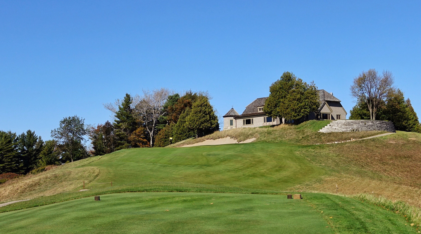 The uphill tee of the uphill par-3