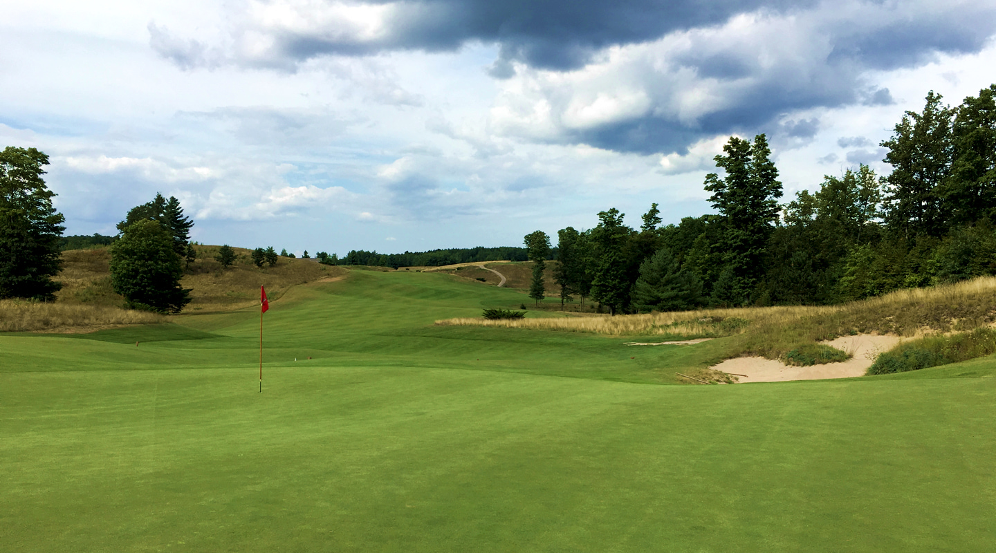 Rolling terrain characterizes the opener, and the entire course