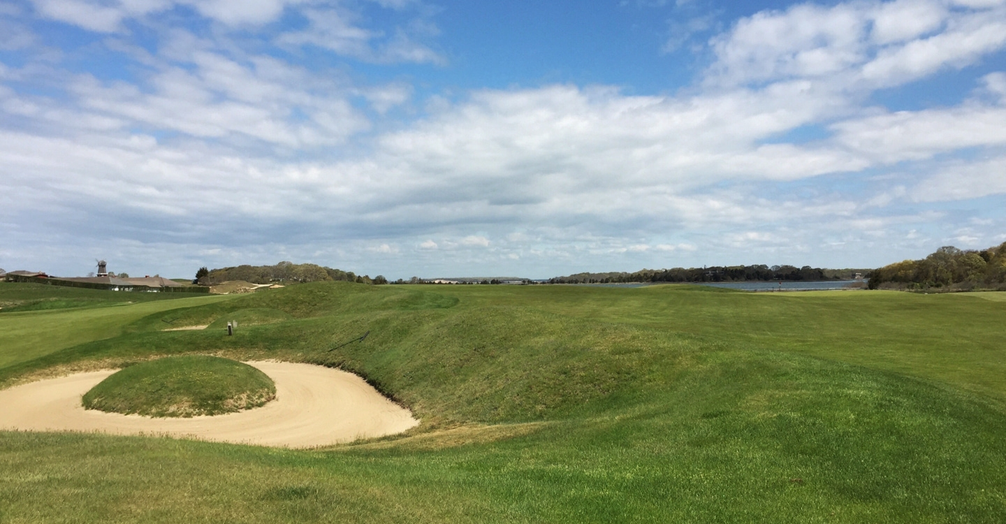 Artful bunkering flanks the left side of the fairway