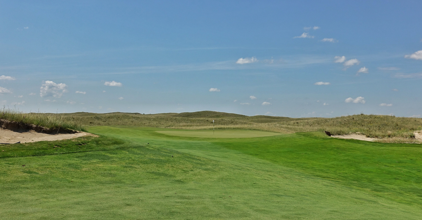 Approaching the green from the ideal angle