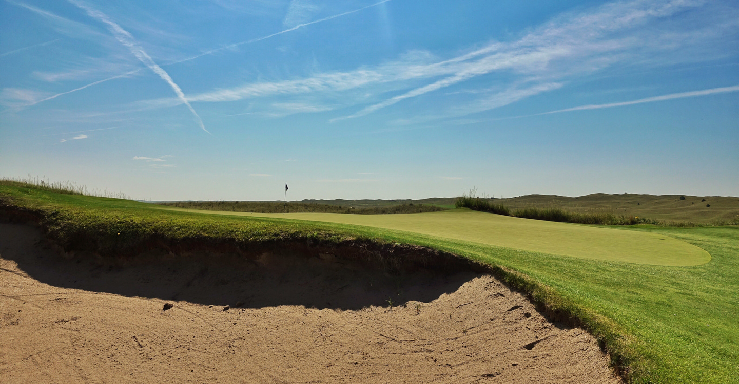 Recoveries from the left bunker to a green that runs away carry maximum challenge